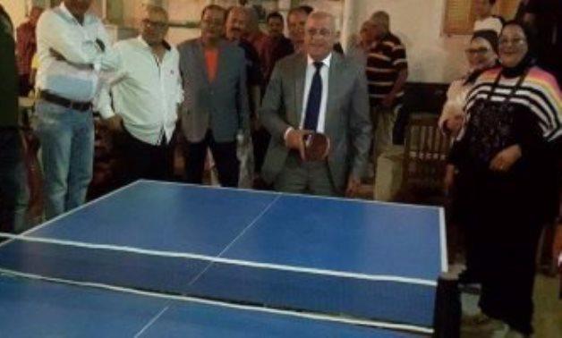 محافظ بورسعيد يلعب
