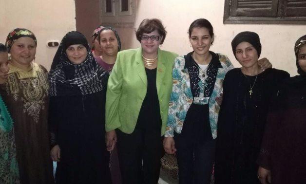 النائبة ميرفت موسى تلتقى نقيب المستثمرين بالمنيا لبحث تدريب سيدات بهدف إنشاء مصنع ملابس