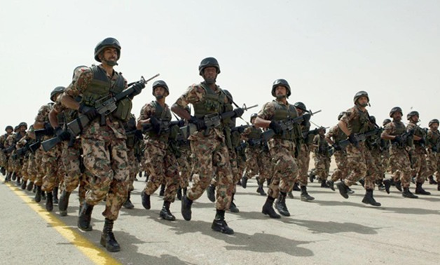 القوات المسلحة تواصل تطهير سيناء.. مقتل تكفيريين وتدمير مخازن ومغارات بجبل الحلال