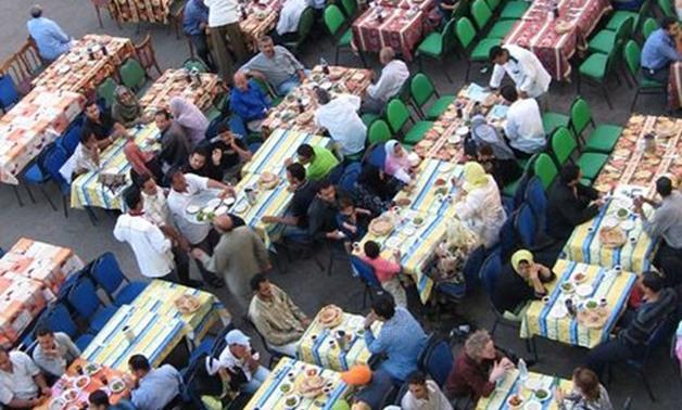 """بعد مبادرة """"مستقبل وطن"""".. هل تلغى الأحزاب حفلات الإفطار وتوجه أموالها للفقراء؟"""