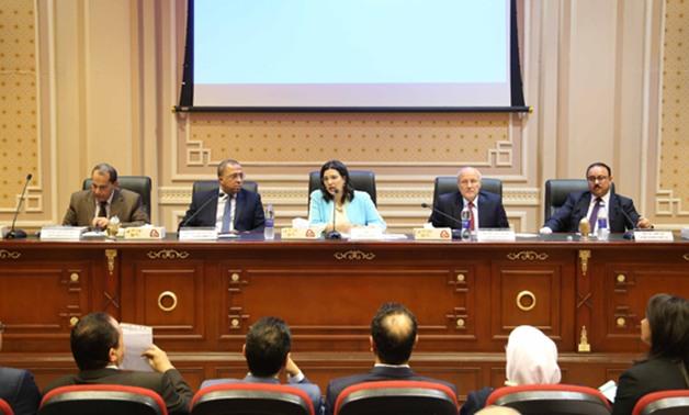 برلماني: يجب توقيع عقوبات على شركات الاتصالات لسوء الخدمة