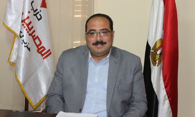 """""""أكونت على فيس بوك"""" لكل وزارة.. تعرف على اقتراح النائب محمد الكومى لمواجهة الشائعات"""