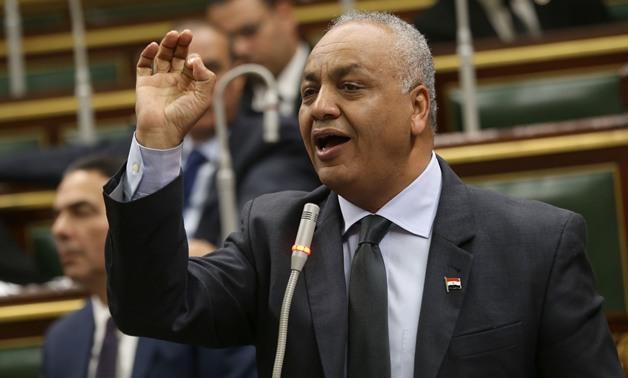 مصطفى بكرى يطالب بتخفيض قيمة فواتير الكهرباء فى محافظات الصعيد