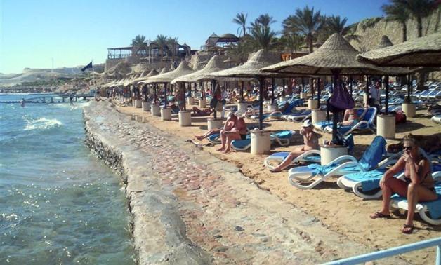 نائب يطالب بإلغاء زيادة رسوم دخول مصر بعد رفعها لـ65 دولارًا لتأثيره السلبى على السياحة