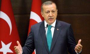 """""""اللى بيته من إزاز"""".. تركيا تدعى الدفاع عن حرية الصحافة وسجونها تكتظ بالإعلاميين"""