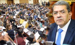 """الحكومة تدافع عن """"قوى عاملة البرلمان"""".. ووزير المالية : لجنة مقاتلة"""