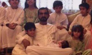 محمد بن راشد ينشر صورة مع أحفاده فى أول أيام عيد الفطر