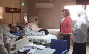 النائبة ايفيلين متى فى زيارة لمستشفى دمياط التخصصى