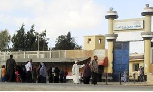اللمبى فى برج العرب.. هروب سجين على طريقة محمد سعد داخل عربة خضروات