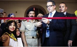 بالصور.. خالد العنانى يفتتح معرض المضبوطات الأثرية بالمتحف المصرى