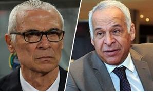 فرج عامر رئيس لجنة الرياضة بالبرلمان و هيكتور كوبر مدرب المنتخب المصرى